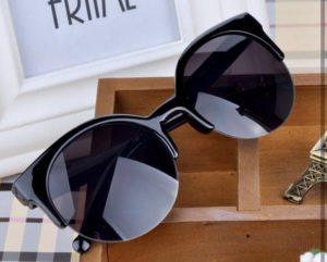 очки, прямые сверху и закругленные снизу