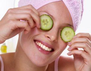 Чем замаскировать мешки под глазами и морщины